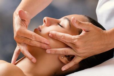 Dotyk Młodości - liftingujący zabieg na twarz i dekolt z elementami masażu Kobido - 1 godzina