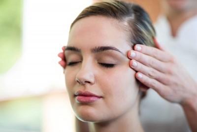 Indyjski Masaz Głowy Ayurveda - dla niej